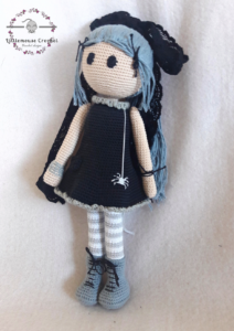 Goth doll poupée
